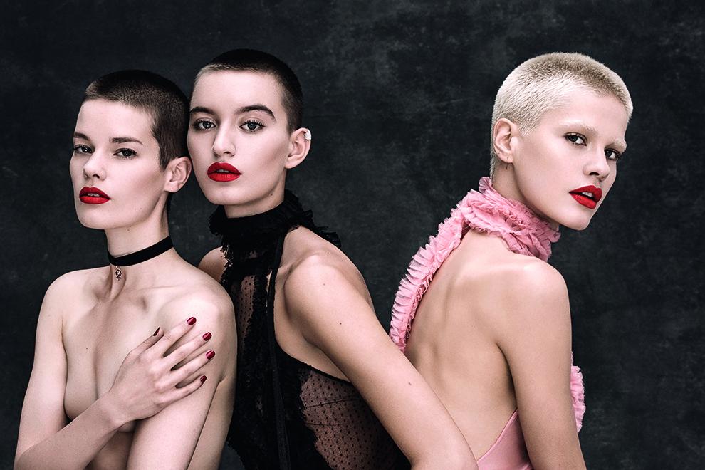 Мае Телькамп, Соэки Гравенхорст, Крис Готтшальк. Фото: Мариано Виванко, Vogue Russia, 2015