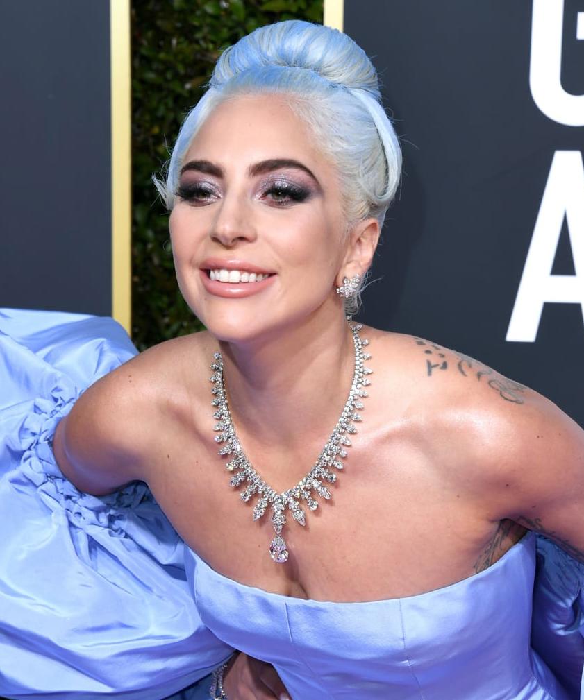 Lady-Gaga-Blue-Hair-Golden-Globes
